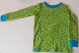 Shirt Sterne türkis auf grün