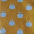 Apfel weiß auf gelb