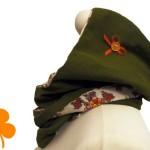 Kapuzenschal Feincord oliv, Futter Vintagestoff Blumengesteck
